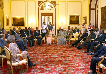 President Pratibha Patil (C) attends a meeting with African leaders at Rashtrapati Bhavan.