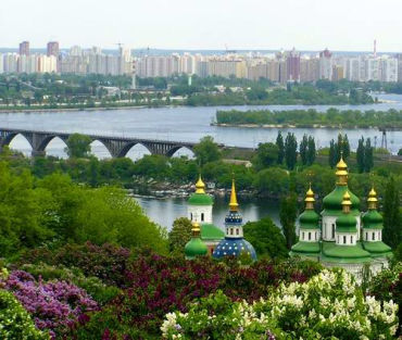 Ukraine can go from green to red. Capital Kiev in its full green glory.