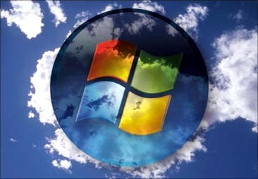 MS bets big on cloud computing.