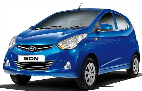 Check out the 4 closest rivals of Hyundai Eon