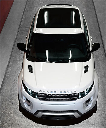 new suv in town the sizzling range rover evoque. Black Bedroom Furniture Sets. Home Design Ideas