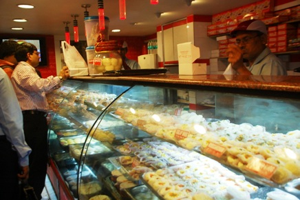 KC Das' outlet does brisk business from 7 am to 9.30 pm daily.