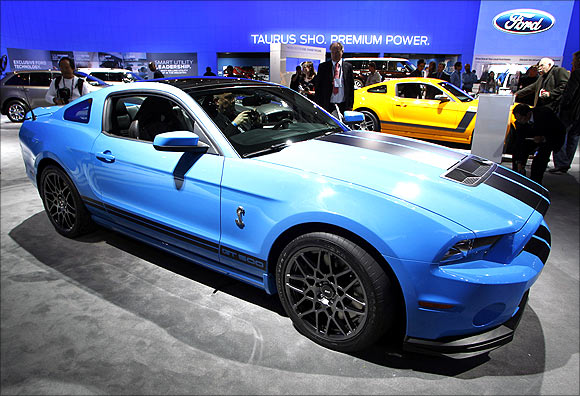 2013 Ford Mustang Shelby GT500.