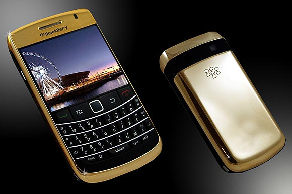 BlackBerry Bold 9700 24ct Gold.