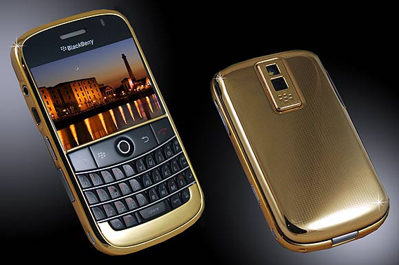 Blackberry Bold full 24ct gold edition.
