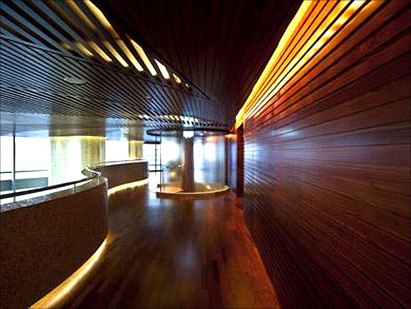 Splendid interiors of the Burj Khalifa