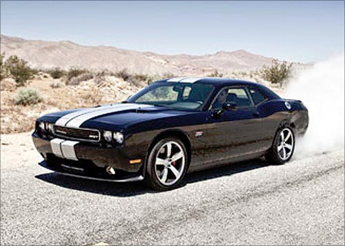 Dodge Challenger SRT8.