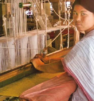 Handweaving of Muga silk