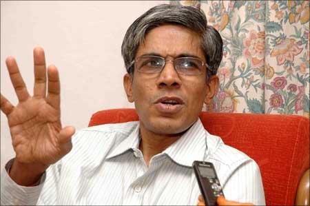 Prof. Bhaskar Ramamurthi, director, IIT Madras.