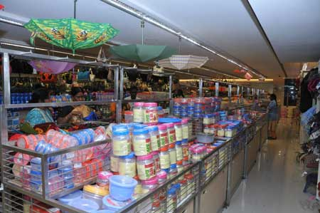 'We will all be slaves to MNCs,' says Saravana Stores founder