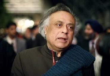 India News - Latest World & Political News - Current News Headlines in India - Privilege motion against Jairam, Renuka for 'misbehaving'