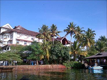 Hotel Raviz in Kollam.