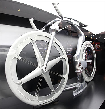 Peugeot electric concept bike.