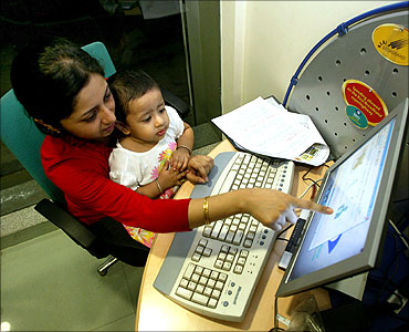 A high-speed broadband internet cafe in Kolkata.
