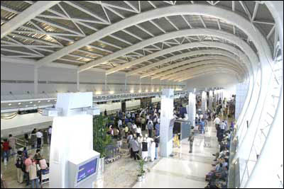 Mumbai airport: It's growth versus slum-dwellers!