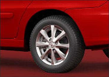 Rear tyre of Tata Indigo e-CS VX.