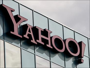 Yahoo says case against it is motivated, seeks dismissal