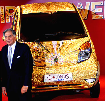 Ratan Tata with the Goldplus Nano.