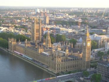 London has more than 480 overseas banks.