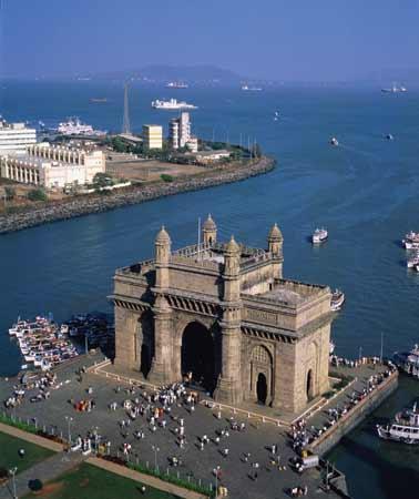 Maharashtra has a subscriber base of 101,065,519.