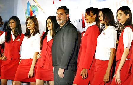Vijay Mallya with the Kingfisher staff.