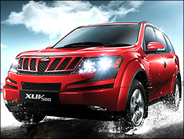 Mahindra XUV500.