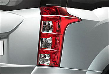 Elegant tail lamps.