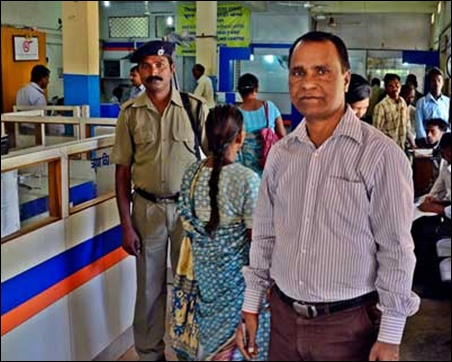 Mayank Dhar Tiwari, the manager of Bank of India's Ratu branch, one of the first bank branches in the country from where the Aadhaar-enabled MNREGA payment pilot was rolled out in December last year, feels the system has performed well.
