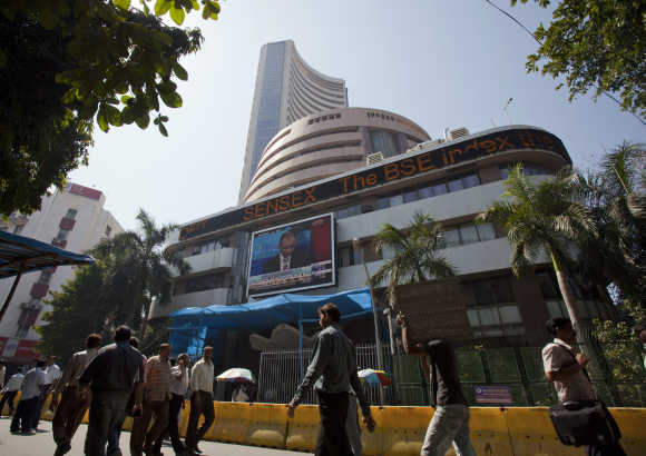 Sensex rises 97 points to highest this month on excise duty cuts