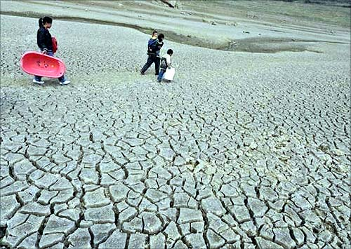 :As water becomes scarce, droughts ravage the world