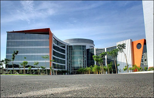 Infosys Chennai main block at Mahindra World City, New Chennai.