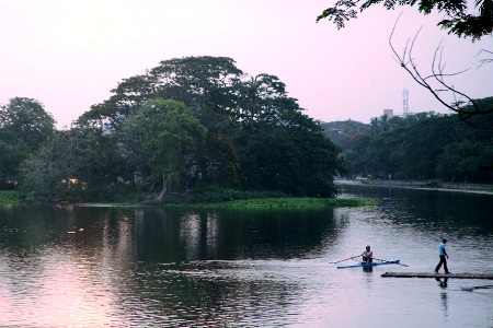 Evening descends on Dhakuria Lake in south Kolkata.