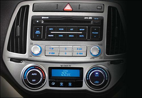 2-Din audio system.