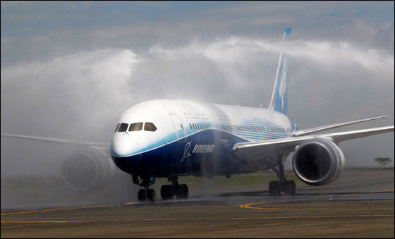Dreamliner for AI suffers engine mishap; probe on in the US