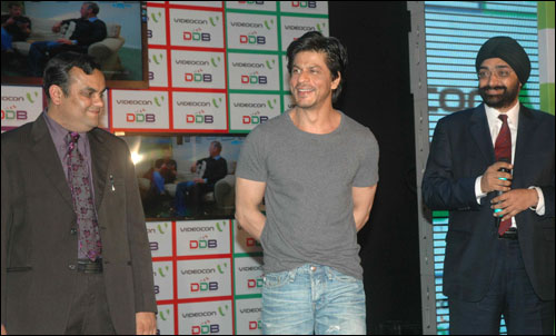 Anirudh Dhoot , Director Videocon , Actor & Brand Ambassador Sharaukh Khan, H.S. Bhatia Chief Marketing,Videocon.