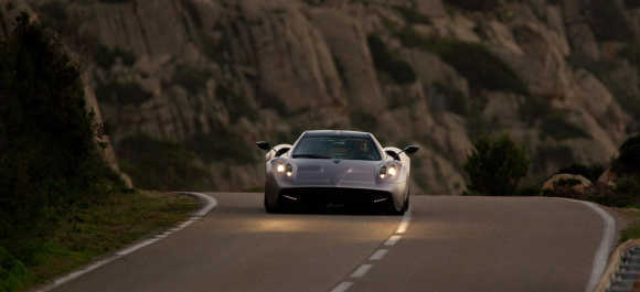 Amazing images of supercar Pagani Huayra