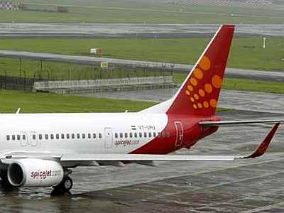 Jet and SpiceJet soar on the misfortunes of rivals