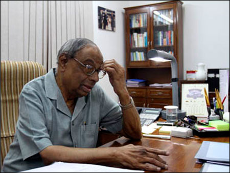 Full effect of recovery will only be visible in 2013-14: C Rangarajan