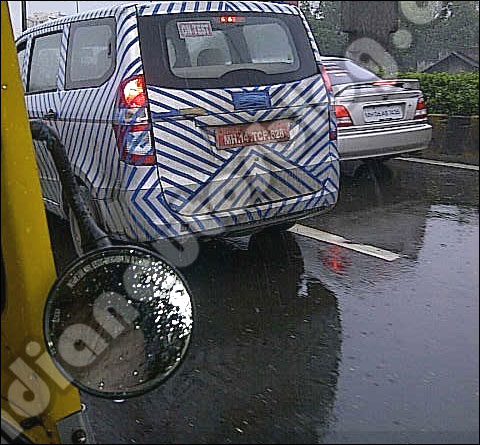 Chevrolet Enjoy MPV caught testing in Mumbai