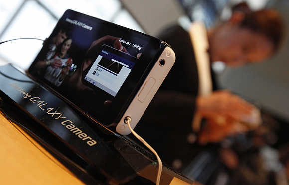 Samsung Electronics' Galaxy Camera is displayed in Seoul.