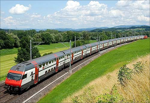 IC 2000 between Zurich and Luzern.