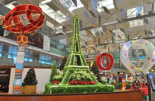 Fantasy Land: Stunning images of Changi Airport in Singapore