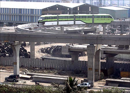 Mumbai monorail service enters trial phase.