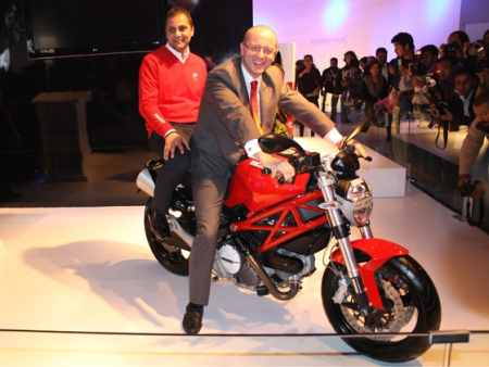 Mirko Bordiga (rider), Ducati Asia Pacific CEO and Ashish Chordia (pillion) Ducati India CEO