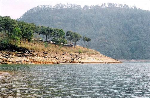 Umiam Lake, Meghalaya.