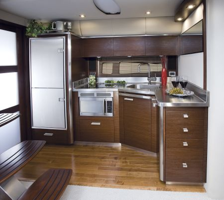 The 420 is a double-deck boat that utilises space to the optimum.