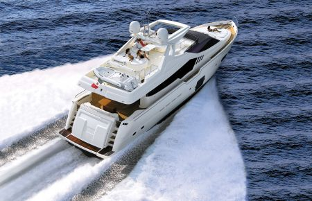 Ferretti 870 has an overall length of 87 feet.