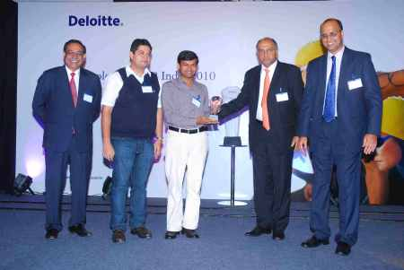 Phanindra Sama recieves am award for redBus from Deloitte