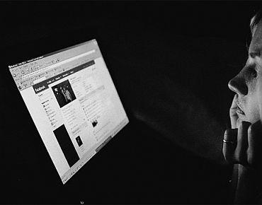 5 reasons Kolaveri Di became a HUGE hit online - Rediff com