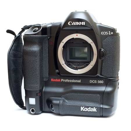 Kodak DCS 560 digital SLR based on a Canon EOS-1n chassis.